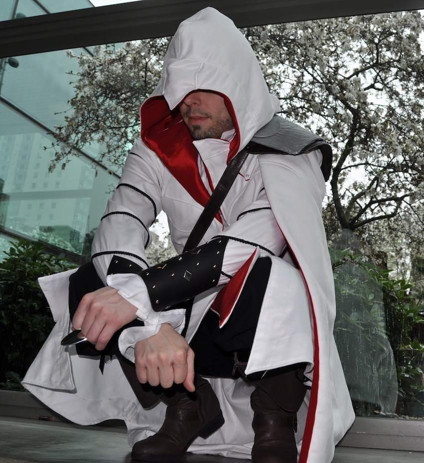 Constructing The Assassin Ezio Costume Series Part 3 The Fabric Alchemist