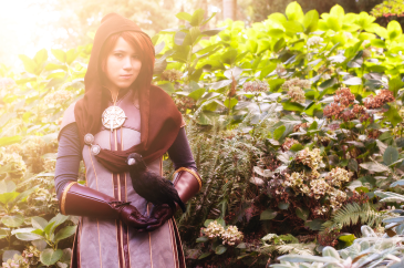Fabric Alchemist as Leliana from Dragon Age Inquisition cosplay, photo by Giosia Photography